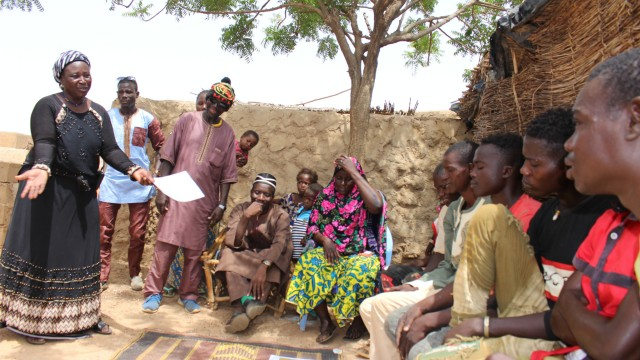 Ending Open Defecation in the Sahel : Successful outcomes of a Pilot Project combining  CLTS with Social art